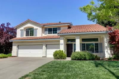 Elk Grove Single Family Home For Sale: 4909 Laguna Woods Drive