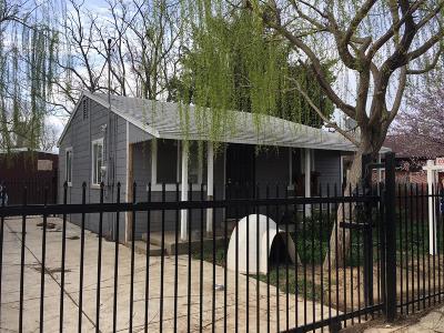 Sacramento Single Family Home For Sale: 5852 Dewey Boulevard