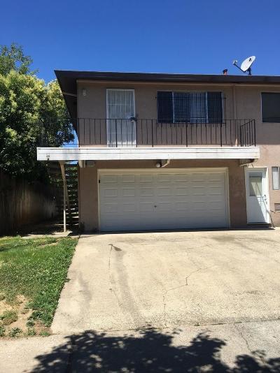 Sacramento County Condo For Sale: 9082 Pinata Way