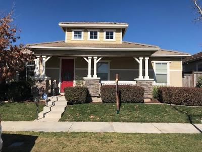 Oakdale Single Family Home For Sale: 2352 Shire Way