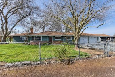 Single Family Home Active Short Sale: 7910 Carmencita Ave
