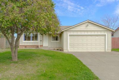 Sacramento Single Family Home For Sale: 4939 Toronto Way