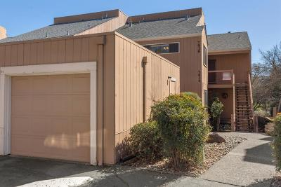 Citrus Heights Condo For Sale: 7936 Arcade Lake Lane