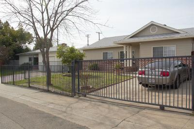 North Highlands Single Family Home For Sale: 5909 Dotmar Way