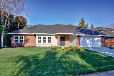 Elk Grove Single Family Home For Sale: 9215 Camden Lake Way