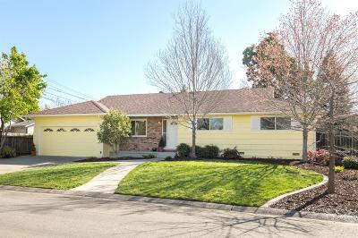 Sacramento Single Family Home For Sale: 3640 Cody Way