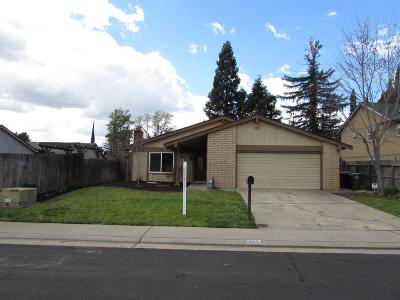 Citrus Heights Single Family Home For Sale: 6854 Sugar Maple Way