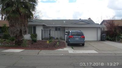 Sacramento Single Family Home For Sale: 28 Tillman Circle