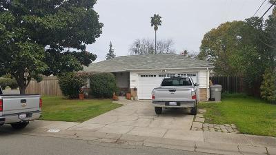 Sacramento Single Family Home For Sale: 5601 Cazadero Way