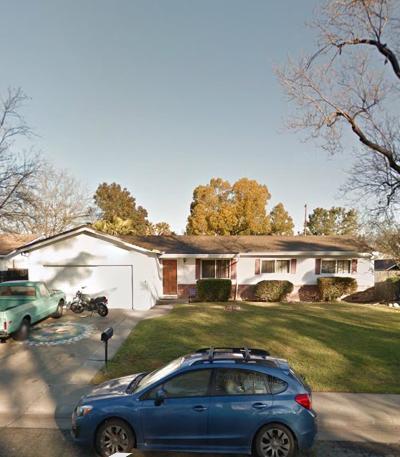 Sacramento CA Single Family Home For Sale: $330,000