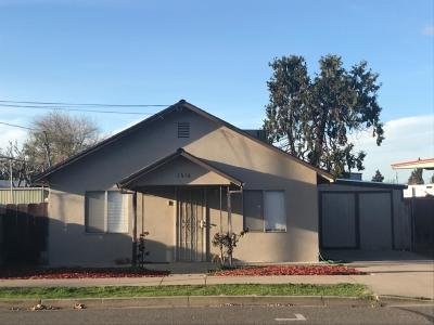 Escalon Single Family Home For Sale: 1416 1st Street