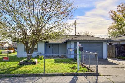Sacramento Single Family Home For Sale: 3612 Clay Street