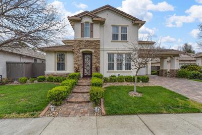 Sacramento Single Family Home For Sale: 5614 Dalhart