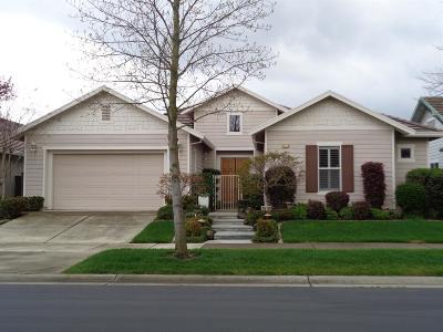 Sacramento Single Family Home For Sale: 2618 Heritage Park Lane