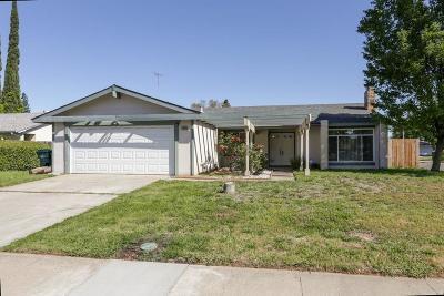 Sacramento Single Family Home For Sale: 2800 Rascommon Way