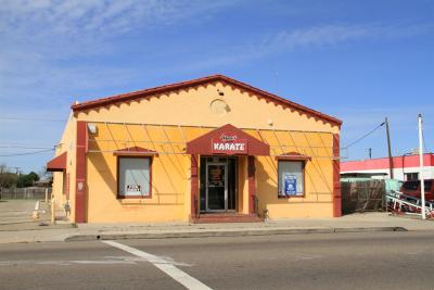 Manteca Commercial For Sale: 429 West Yosemite Avenue