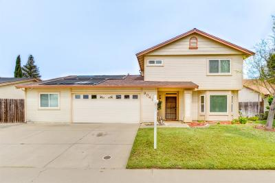 Elk Grove Single Family Home For Sale: 9041 Grouse Meadow Drive