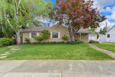 Sacramento Single Family Home For Sale: 901 Swanston Drive