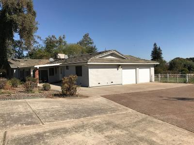 Acampo CA Single Family Home For Sale: $795,000