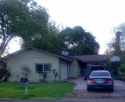 Farmington Single Family Home For Sale: 25647 Elm Street