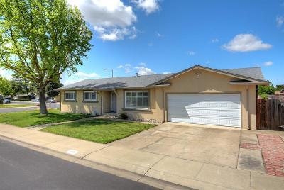Manteca Single Family Home For Sale: 1801 Fairwood Avenue