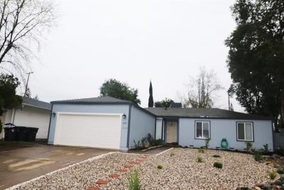 Rancho Cordova Single Family Home For Sale: 10430 Ambassador Drive