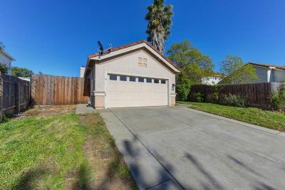 Single Family Home For Sale: 8093 Langham Way