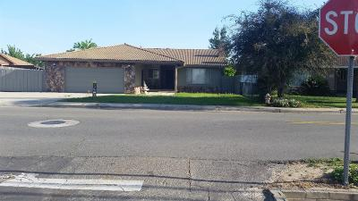 Hilmar Single Family Home For Sale: 20284 Bloss