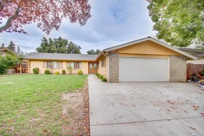 Sacramento Single Family Home For Sale: 6204 Fennwood
