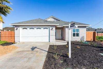 Sacramento Single Family Home For Sale: 8035 Cottonwood Lane