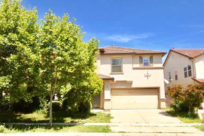 Sacramento Single Family Home For Sale: 4862 Kokomo Drive