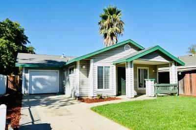 Sacramento Single Family Home For Sale: 3533 20th Avenue