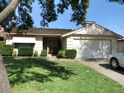 Sacramento Single Family Home For Sale: 5465 Lawrence Drive
