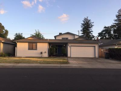Woodland Single Family Home For Sale: 802 Donner Way