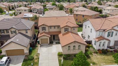 Single Family Home For Sale: 4727 Newton Falls Lane