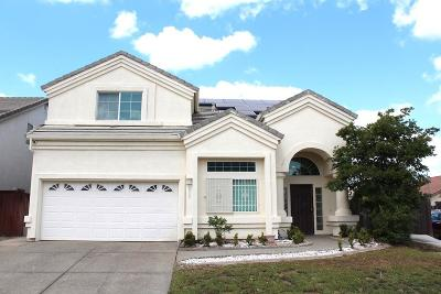 Single Family Home For Sale: 9069 Pebble Spring Court