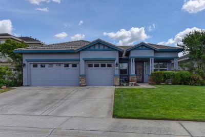 Rancho Cordova Single Family Home For Sale: 10928 Pelara Court
