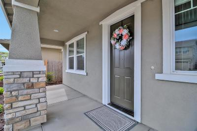 Rancho Cordova Single Family Home For Sale: 12690 Evanston Way
