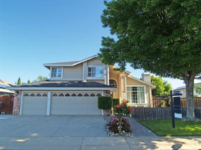 Escalon Single Family Home For Sale: 1552 Crestwood