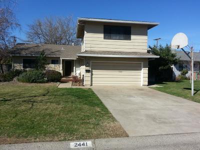 Sacramento Single Family Home For Sale: 2441 Catalina Drive