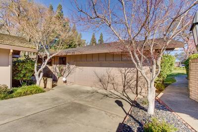 Sacramento Single Family Home For Sale: 2801 Calle Vista Way
