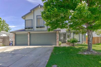 Elk Grove CA Single Family Home For Sale: $399,998