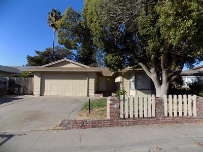 Sacramento County Single Family Home For Sale: 5665 Gearny Drive