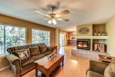 Valley Springs Single Family Home For Sale: 2304 Hucklberry Lane
