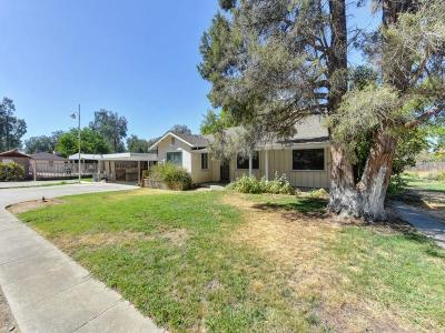 Sacramento Single Family Home For Sale: 7653 Eastbreeze Circle