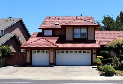 Elk Grove Single Family Home For Sale: 5519 Laguna Park Drive