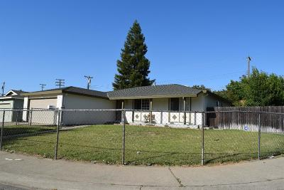 Citrus Heights Single Family Home For Sale: 7300 Candlelight Way