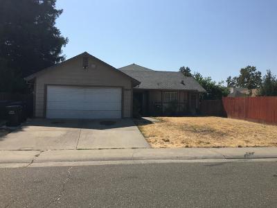 Sacramento CA Single Family Home For Sale: $249,000