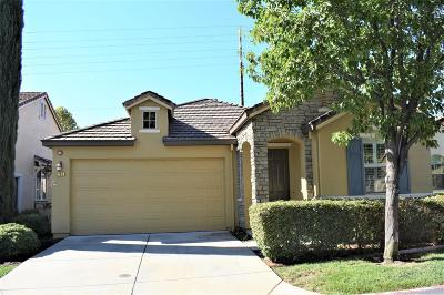 Roseville Single Family Home For Sale: 1105 Marseille Lane
