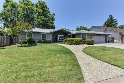 Sacramento Single Family Home For Sale: 6380 Surfside Way